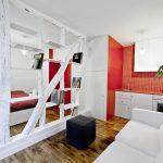 Интерьер квартиры-студии в бело-красных тонах
