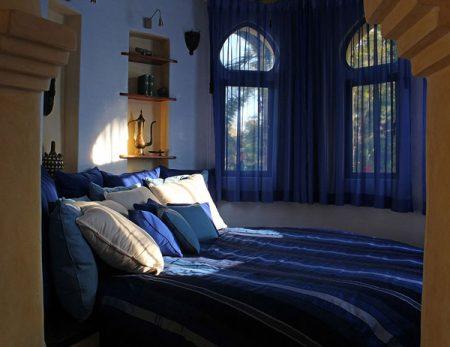 Восточная спальня в маленькой комнате